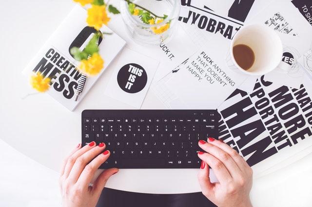 bloggeri romani