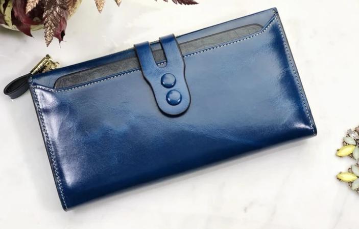 portofel din piele albastru